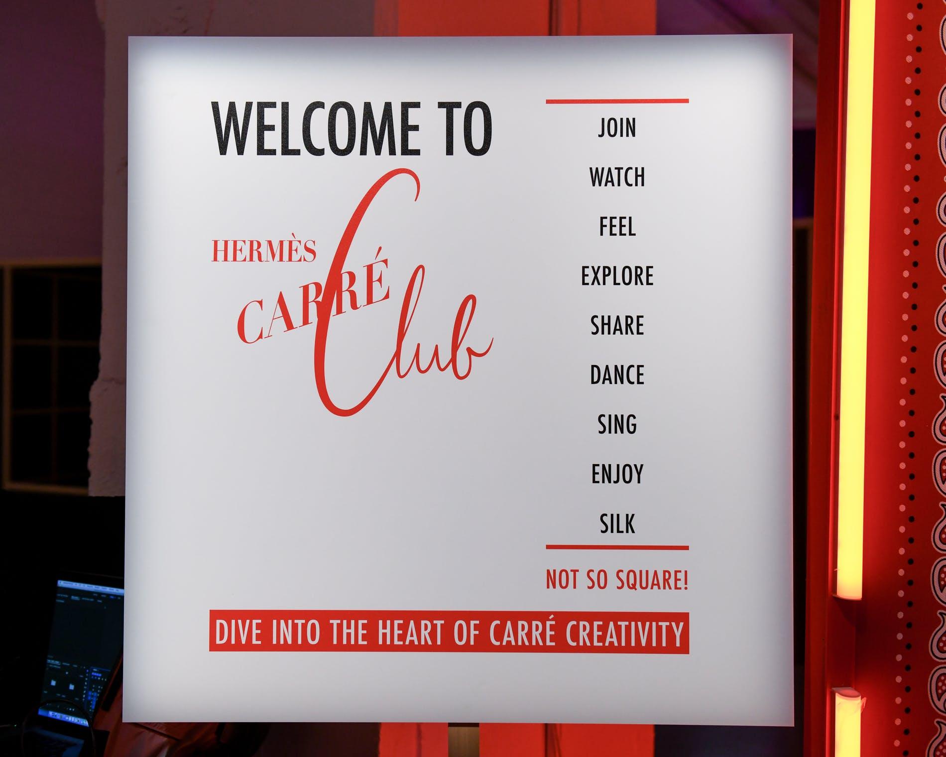1538709334503448-Herme-s-Carre-Club-2-